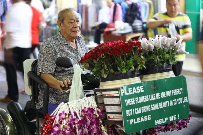 Flower seller, Walking Street, Pattaya