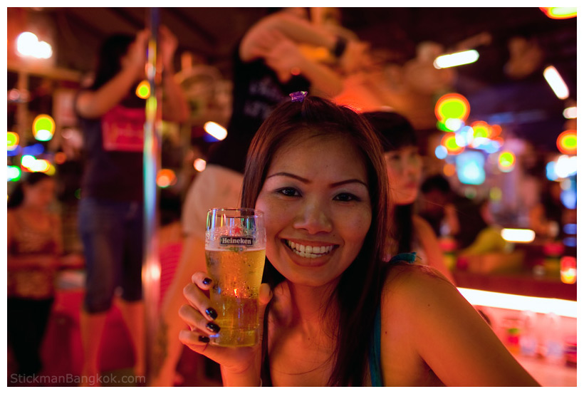 dating a thai girl in us Thai girls have more dating options:  wealthy american's thai wife opts out of us  many use thai dating sites like thailovelines to meet friends or love.