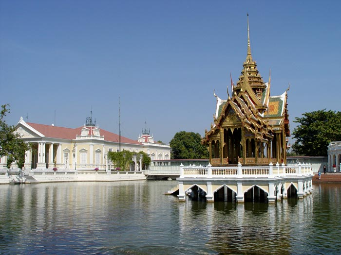 Bang Pa In, a royal summer palace and a must see day trip from Bangkok. You can easily cover Ayuthya and Bang Pa In in the same day.