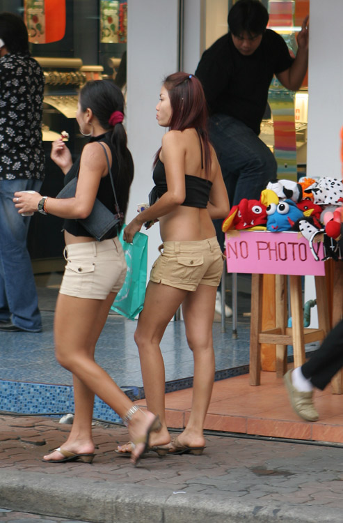 One of the many delightful sights of Pattaya. Perhaps one of the most noticeable differences between Bangkok and Pattaya is that the locals' attire is much more suited to a beach environment than a city in the seaside city of sin.