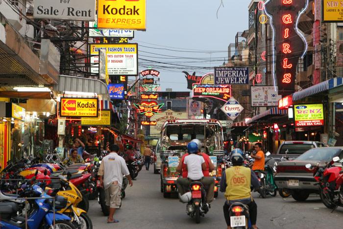 Soi Pattayaland 2, at a bit after 6:00 PM. Pattaya is just starting to wake up!