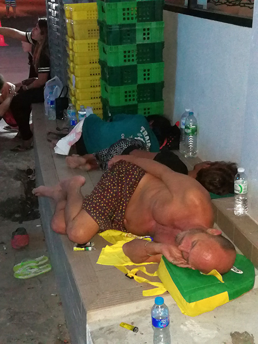 homeless-on-soi-nana