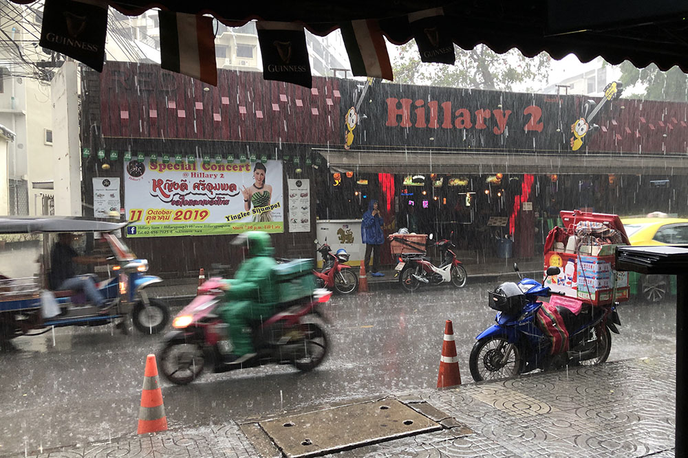 bangkok-rainy-season-soi-nana