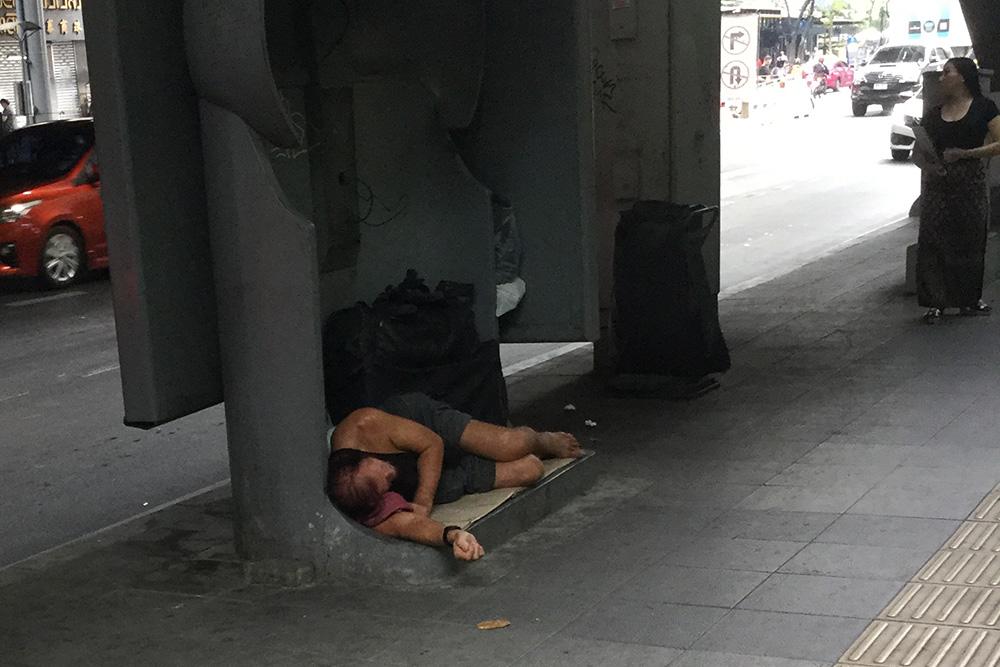homeless-farang-2019