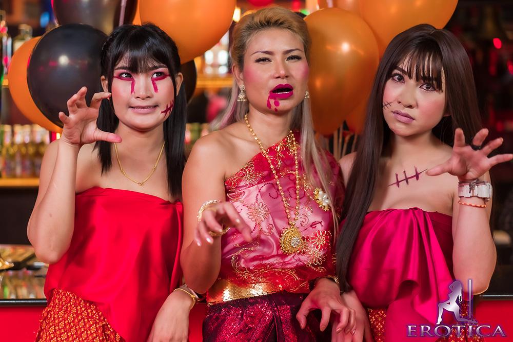 erotica-loy-krathong-halloween