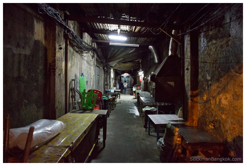 Bangkok dark alley